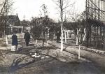 1909 8 In de tuin