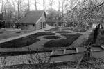 2009-04 Leerlooierijhuisje aanleg tuin 002