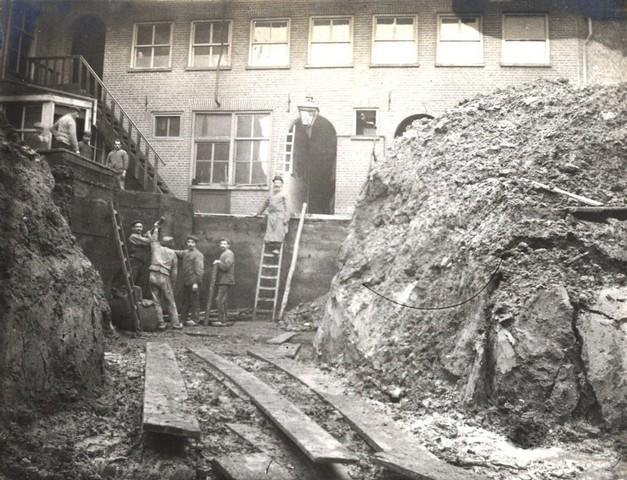 1912 Het verplaatsen van de looikuipen (2)