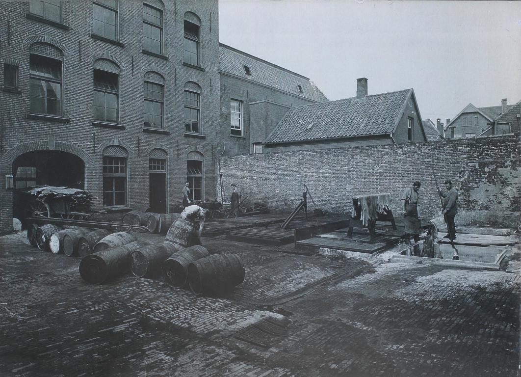 1930 Leerlooierij